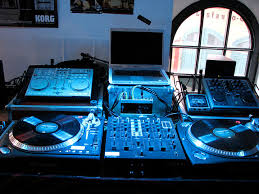 setting your dj equipment up dj equipment for the aspiring dj