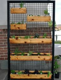 learn how to make a diy vertical wooden box planter