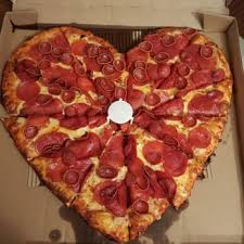 photo of round table pizza reno nv united states heart pizza in