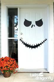 halloween front door decorationsFun Halloween Front Door Decorations