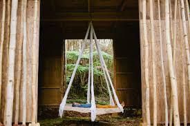 Hanging Tree House House Crush An Off The Grid Hawaiian Treehouse For A Dream