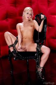 Babes bound for pleasure