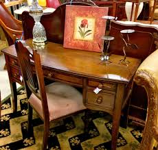 How to Sell Furniture and Home Decor Items on Consignment Hot