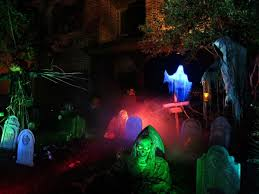 haunted house lighting. Via Pincrush Haunted House Lighting H