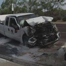 PD: Pickup truck hits bus in Glendale causing traffic delays ...