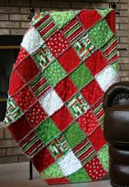 Christmas patchwork rag quilt - beautiful!! | Quilts to make soon ... & Christmas patchwork rag quilt - beautiful! Adamdwight.com