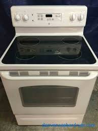 exellent stove ge glass top stove self cleaning great condition on stove t