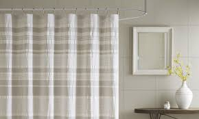 5 Tips on Using Cloth Shower Curtains - Overstock.com
