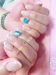 フレンチネイルとブルーの夏色ビジューネイル 南浦和爪の健康を第一に