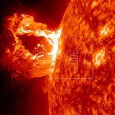 Miden señales en dos líneas espectrales de la radiación del Sol | Ciencia |  Agencia EFE