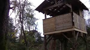 pallet tree house made from free pallets building with pallets you