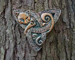 cat triquetra stone sculpture celtic