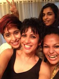 Ashish Kate STOP THE PRESS VIVA s in the bedroom the girls are.