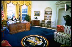 pictures of oval office. Oval Office Decor Changes In The Last 50+ Years - Pictures Of From Every Presidency