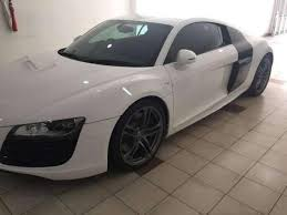 black audi 2010. audi r8 2010 v10 white on black