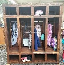 ideas for old pallets pallet closet ideas con palets de madera