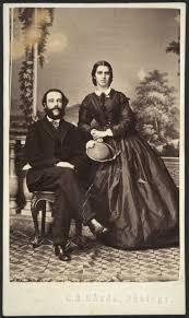 toimittaja, valtiopäiväedustaja Ernst Linder ja puolisonsa Maria, o.s.  Lavonius