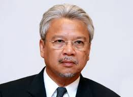 Datuk Seri Ahmad Husni Hanadzlah, Malaysia's Second Finance Minister. The government, the private sector, and all of us are working very hard to take this ... - Ahmad-Husni-Hanadzlah