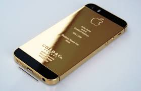 iphone 5s gold and black. this is an actual gold plated black iphone look like. dont think it too shaby. iphone 5s and