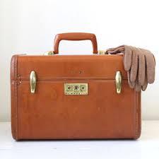vine 1940s train case samsonite streamlite in caramel brown back to eveteam