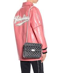 valentino garavani free rockstud spike medium leather shoulder bag qx54864 nero valentino