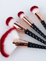 after what feels like a year and a half you can finally the rose gold unicorn lashes royale unicorn brush sets the british pany that brought the