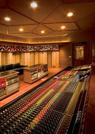 Tracktion provides innovative software production tools for musicians, composers and songwriters. Manifold Recording Pittsboro Nc Near Chapel Hill Research Csw Http Www Pinterest Com Claxtonw Professio Home Studio Music Music Studio Music Studio Room