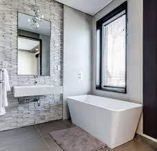 7 tips to make a small bathroom look bigger