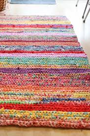 Cheerful, colorful rag (t-shirt) upcycle rug. - I want a pretty specific  shape of rug for my laundry room.