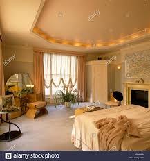 Einbauleuchten Decke Mit Beleuchtung In Dreißiger Jahre Schlafzimmer