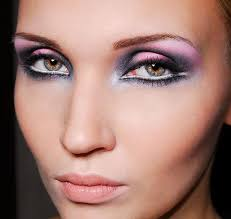 can i wear eye makeup after vitrectomy