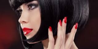 Более 200 фото каре на средние и короткие волосы с челкой. Shok Korotkaya Zhenskaya Strizhka Kare Na Nozhke 2020 2021 102 Foto