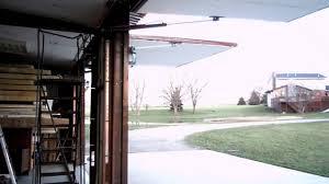 Hydraulic Garage Doors - YouTube