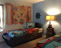 kids pirate theme room use a wall mural