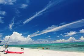 沖縄の白い砂浜とビーチ無料の写真素材はフリー素材のぱくたそ