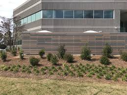 Commercial Aluminum and Composite Privacy Screen Suwanee Apex