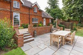 how to lay paving slabs swindon for a