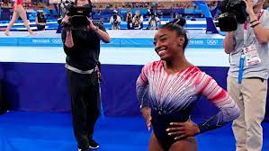 Simone Biles cheered on by fans when ...