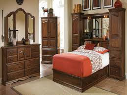Pier Wall Bedroom Furniture Blackhawk Bedroom Furniture Sqft Luxury Log Mountain Home Homeaway