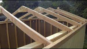 building installing roof rafters
