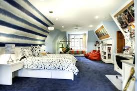 how to decorate a room with slanted walls attic bedrooms with slanted walls how to decorate