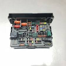 bmw fuse box fuses fuse boxes bmw 1 3 x1 series e81 e87n e90 e91 power distribution fuse box 9119444