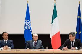 Il Presidente Giorgio Napolitano con il Ministro degli Esteri Franco  Frattini e il Rappresentante Permanente d'