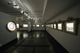 art gallery lighting fixture with track lighting plus spotlights focus on wall sculpture frame art art track lighting