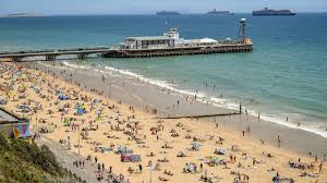 And we've got beach huts are available to use from 10am on the first day of your booking. Bournemouth Beach Busy Again As Coastguard Urges People To Take Extra Care In Sea Youtube