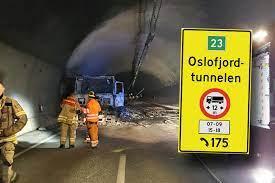 Nyheter om oslofjordtunnelen fra den norske pressen. Oslofjordtunnelen Apner Mandag Men Stenges Midlertidig For Kjoretoy Over 12 Meter