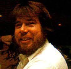 Стив Каппс (Steve Capps) – в Apple с 1981 года, известен прежде всего своим вкладом в создание Apple Macintosh (автор Finder и всех системных утилит) и ... - 3319