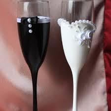 <b>Свадебные бокалы</b> - интернет-магазин WeddingFinery.ru