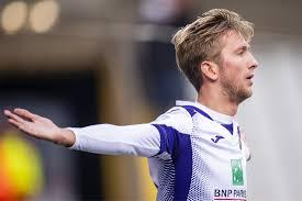 Slap Anderlecht pakt op een diefje de zege tegen rode lantaa... - Het  Nieuwsblad Mobile