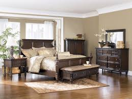 bedroom wood benches. Charming Brown Wooden Master Bedroom Furnishings Set Feat High Headboard King Size Bed And Benches Also Vanity Dresser On Wood Floors Designs D